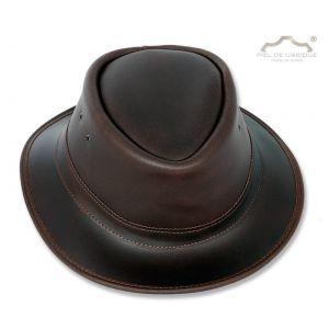 Sombrero tipo mascota piel engrasada